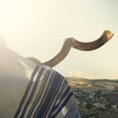 Kudüs'ün Atmosferinden Etkilenen Turistlerin Kendini Din Adamı Sanması Durumu: Kudüs Sendromu