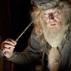 Mitoloji, Edebiyat ve Sinemada Büyücüler Neden Mutlaka Bir Asaya İhtiyaç Duyar?