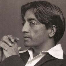 Okudukça Zihnimizi Berraklaştıran Adam: Jiddu Krishnamurti'den Enfes Alıntılar