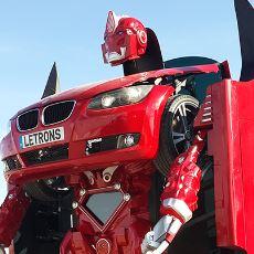 Türk Mühendislerden Çocukluk Rüyalarımızdaki Gibi Bir Transformers Robotu