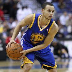 Stephen Curry, Golden State Warriors'ın Son Yıllardaki Başarısında Nasıl Başrolü Oynuyor?