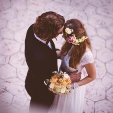 Çok Para Harcanan Evliliklerin, Mütevazı Evliliklerden Daha Kısa Ömürlü Olması