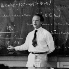Almanya'nın Atom Bombası Yapmasını Engelleyen Büyük Fizikçi: Werner Heisenberg