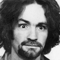 Cinayetlerini Müritlerine Yaptıran ve Davranışları ile Kafaları Bulandıran Seri Katil: Charles Manson
