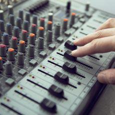 Dünya Haritası Üzerinde Dolaşarak Tüm Radyoları Dinleyebileceğiniz Site: Radio Garden