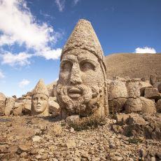 Nemrut Dağı ve Zirvesindeki Heykeller Nasıl Keşfedildi?