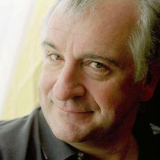 Douglas Adams'ın Otostopçunun Galaksi Rehberi İçin İlham Bulma Hikayesi