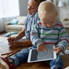 Tablet ve Telefon Kullandırtmak Bebeklerin Gelişimine Katkı Sağlıyor mu?