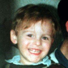 İki Çocuğun, Henüz 2 Yaşındaki James Bulger'ı İşkenceyle Öldürdüğü Korkunç Cinayet