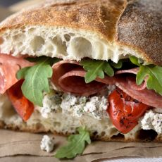 Karşınızdaki Kişiyi İncitmeden Onu Eleştirebilmenizi Sağlayan Sandviç Metodu