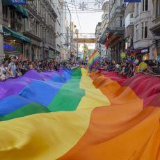 Hayatı Boyunca Hep Saklanmak Zorunda Kalmanın Diğer Adı: Türkiye'de Eşcinsel Olmak