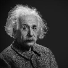 Einstein'ın Kuantum Mekaniğinin Doğuşuna Yol Açan Nobel Ödüllü Tek Çalışması: Fotoelektrik Etki