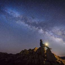 Birden Fazla Evrenin Varlığını Kabul Ettiğimiz Takdirde Bu Evrenlerin Arasında Ne Olabilir?