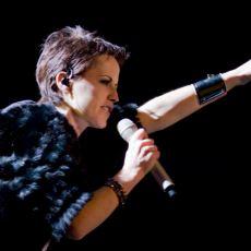 Dolores O'Riordan'ın Sesiyle İçimize İşleyen Zombie Şarkısının Hikayesi