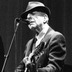 """Leonard Cohen'in Kült Şarkısı """"First We Take Manhattan""""ın İlginç Muhtemel Anlamları"""