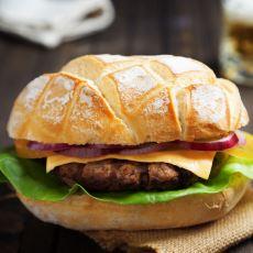 Evde Pişirebileceğiniz Hazırından Daha Lezzetli Bir Hamburger Ekmeği Tarifi