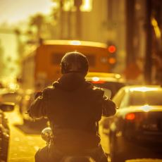 Araba Kullanan Sürücülerin Motosiklet Kullananlara Karşı Olan Öfkesinin Haklı Sebepleri