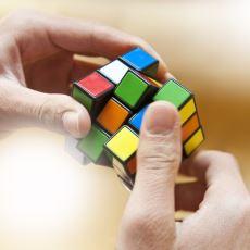 Rubik Küpü Hızlı Bir Şekilde Nasıl Çözülür?