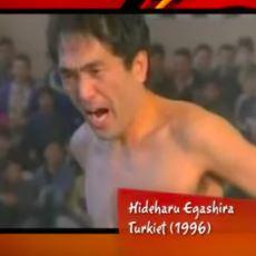 1996'da Kocaeli'de Kıçına El Davulu Sokunca Linç Edilmekten Son Anda Kurtulan Japon Şovmen: Hideharu Egashira