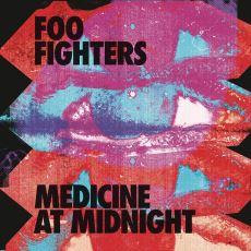 Foo Fighters'ın Hala Kütür Kütür Rock Yaptığı Medicine at Midnight Albümünün İncelemesi