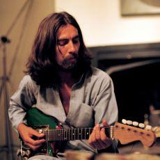 The Beatles'ın Ne Denli Büyük Bir Hazine Olduğunu Kanıtlayan Şarkı: While My Guitar Gently Weeps