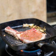 Döküm Demir Tavada Nasıl Et Pişirilir?