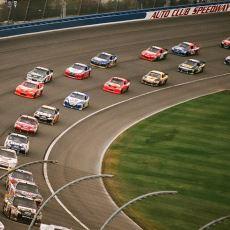 Kapitalizmin Eğlenceyi Nasıl Şekillendirdiğinin Güzel Bir Örneği: NASCAR