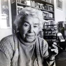Yazar Mina Urgan'ın, Çağın Gerekliliğine Uymakla İlgili Her İnsanın Kendini Bulacağı Sözleri