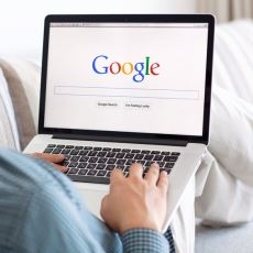 Google'da Aranılan Kelimeler ve Saatleri Gerçek Hayata Dair İpuçları Taşıyor