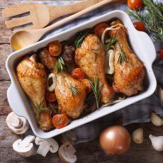 Bekarlar İçin Hayat Kurtarıcı Niteliğindeki Fırında Tavuk Nasıl Yapılır?