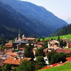 İtalya'nın Kuzeydoğusunda Bulunan ve Her Yıl Türk Festivali Düzenlenen Şirin Köy: Moena