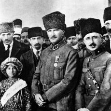 """Mustafa Kemal Atatürk'ün """"Gazi"""" Unvanı Nereden Geliyor?"""