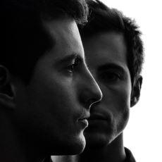 Kendi Yansımasını Aynanın Ardında Yaşayan Başka Biri Olduğuna İnandıran Sendrom: Capgras
