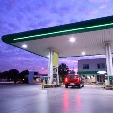 Motorin ve Benzin Fiyatları Nasıl Oldu da Neredeyse Eşit Hale Geldi?