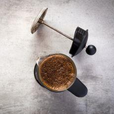 Eskisinden Daha Lezzetli Kahveler Hazırlamanızı Sağlayacak Ters Çevrilmiş French Press Metodu