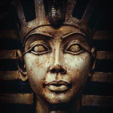 Antik Mısır Dönemi Firavunlarının İktidarlarını Anlatmak İçin Kullandığı Taçlar ve Anlamları