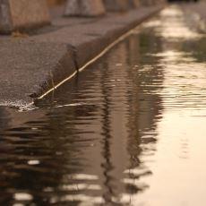 """Donanımsız İnsanların Nasıl Kolayca Kandırılabileceğini Kanıtlayan """"Tehlikeli Su"""" Deneyi"""