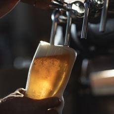 Fıçı Bira, Şişe ve Kutu Biraya Göre Neden Daha Lezzetlidir?