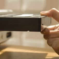 Bırakın Liselileri, Üniversitelilerin Bile Bilemeyeceği Bir Olay: VHS Kaset Kiralamak