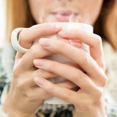 Kış Aylarının Son Demlerinde Boğaz Ağrısı Çekenlere İlaç Gibi Gelecek Bir Çay Tarifi