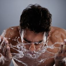 Yüzü Soğuk Suyla Yıkamak Uykuyu Gerçekten Kaçırır mı?
