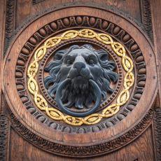 Tarihte Farklı Şekilleri İle Dikkat Çeken Kapı Tokmaklarının Birbirinden İlginç Kullanım Amaçları