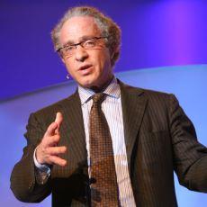 Günde 200'den Fazla Hap İçerek Ölümsüzlüğe Ulaşacağına İnanan Bilim İnsanı: Ray Kurzweil