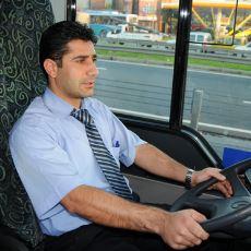 Sohbet Etmek İsteyen İETT Şoförünü Tatmin Edememek