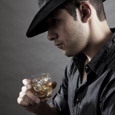 Country, Diğer Müzik Türlerine Kıyasla Alkolden Daha Fazla mı Bahsediyor?