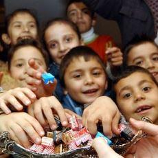 Çocukluktaki Bayramları Hatırlatan Bayramı Bayram Yapan Bir Ritüel: Kapıya Gelen Çocuklar