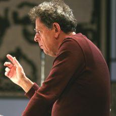 Philip Glass'ın, Öyküsüne İthafen Yaptığı Buram Buram Kafka Kokan Beste