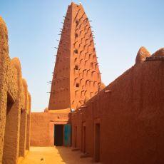 Nijer Şehri Agadez'de Neden Her Cuma Hutbesinde Osmanlı Padişahları Anılıyor?