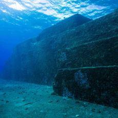 Japon Sularının Dibinde Yer alan ve Sırrı Hala Çözülemeyen Piramitimsi Yapı: Yonaguni