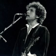 2016 Nobel Edebiyat Ödülü Nasıl Oldu da Ünlü Müzisyen Bob Dylan'a Verildi?